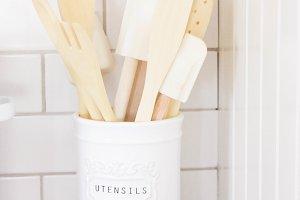 Enamel Untensil Holder & Spoons