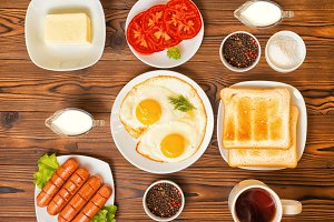 breakfast with setting food products
