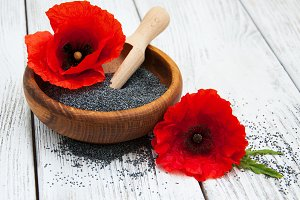 Poppy seeds and poppy flowers