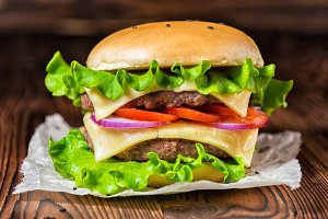 cheeseburger with vegetables, spices