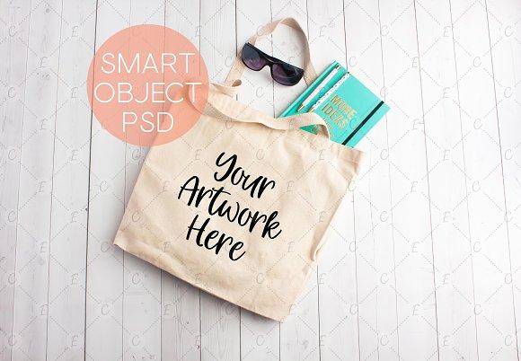 Free Summer Tote Bag Mockup (5225)