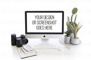 Modern White Desktop iMac Mockup