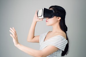 woman wore a virtual reality.