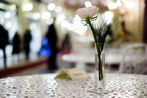 Photo of table, vase with flower
