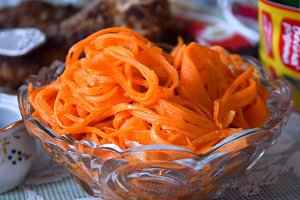 Asian korean carrot salad