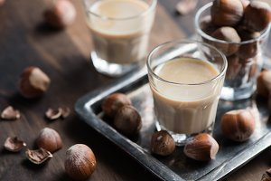 Cream liqueur with hazelnuts