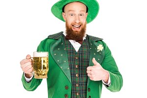 leprechaun with beer and thumb up