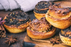 homemade buns with poppy seeds