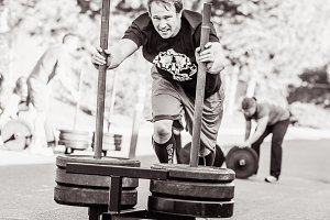 Crossfit Sled Push 1