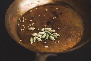 Toasting Spices (Coriander)