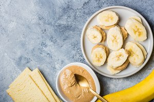 Banana Slices, Cashew Butter and Gluten Free Crispbreads