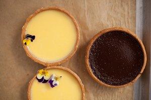 Chocolate and lemon tarts