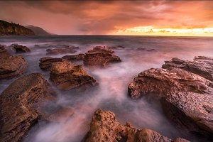 Coalcliff rocks sunrise
