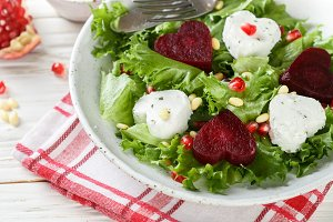 salad goat cheese and beets