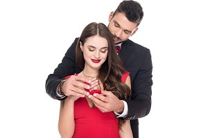 boyfriend proposing girlfriend
