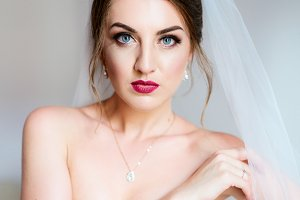 Portrait of stunning bride