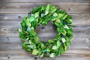 Green Leaf Wreath on Old Ceder Wood