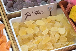 Gin tonic candies at the market