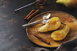 Pear baked in sweet syrup