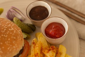 Tomato and barbeque sauce