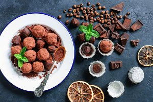 Dark chocolate truffles with coffee