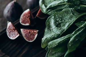 figs and fresh spinach