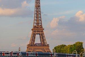 Metro and boats paris