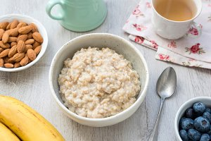 Porridge oats or oatmeal