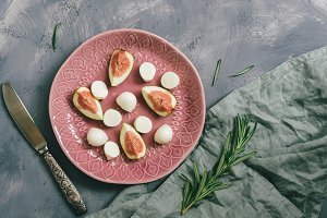 Cheese mozzarella with figs
