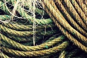 ropes in port