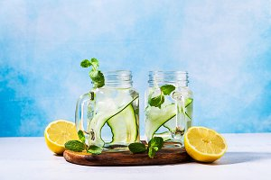 Cold and refreshing infused detox wa