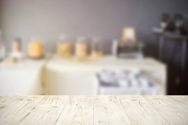 wood table, blur catering backgroun…
