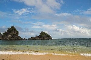 Tropical beach, blue sky, clouds. Catanduanes, Philippines.