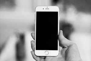 iPhone 6 black and white