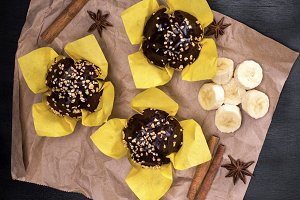 chocolate muffins with a banana