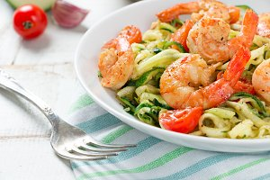 Delicious zoodles with shrimps