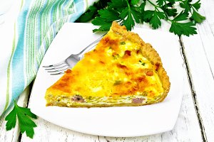 Quiche with pumpkin and bacon