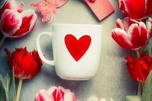 Mug with red heart and tulips