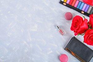 Roses, eye shadow, purse, perfume, m