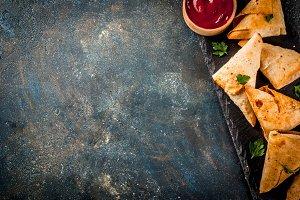 Vegetarian samsa (samosas)