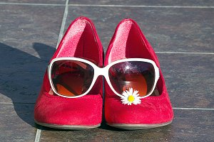 Red shoes with sunglasses