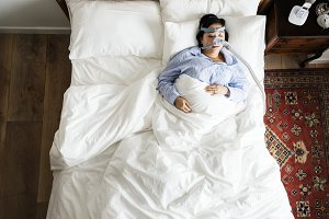 Sleeping with an anti-snoring mask