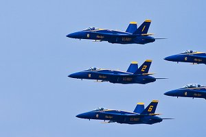 Blue Angels in flight 2