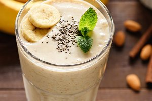 Banana smoothie with chia seeds