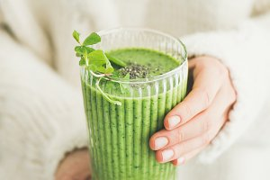 Matcha green smoothie with chia seed