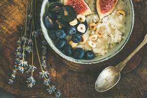 Rice coconut porridge with figs