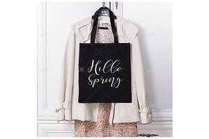 Spring Look Black Tote Bag. JPEG