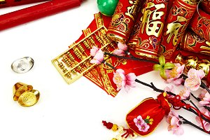 Plum blossom with red envelope