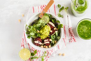 vegan salad with beets meatballs