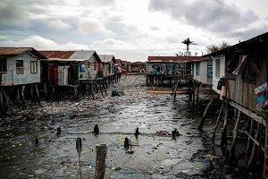 Slums at Hanuabada village at the ou